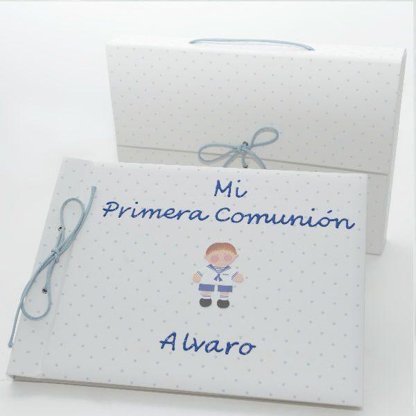 Libro de firmas de comunión topo azul personalizado.